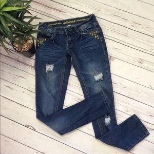 Dollhouse distressed jeans